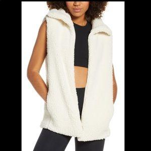 ZELLA Cozy Ivory Fleece Vest NWT Sz Small